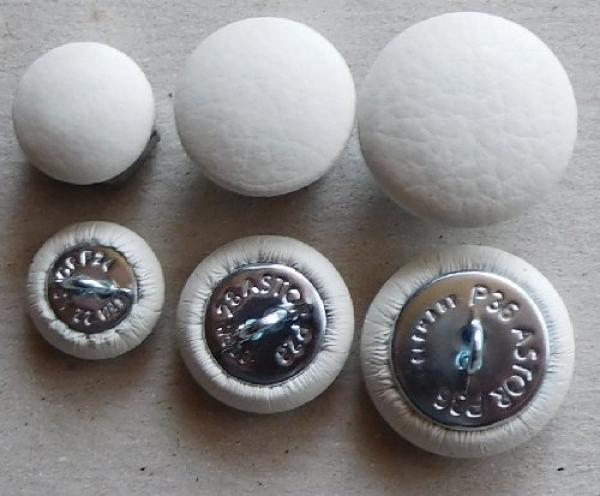 Cushion button with genuine leather Salt